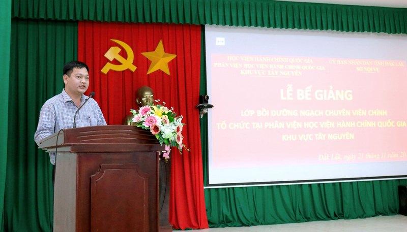 Ông Trịnh Công Sáu, Phó Trưởng phòng Sở Giáo dục và Đào tạo tỉnh Đắk Lắk - Đại diện cho học viên phát biểu tại buổi lễ