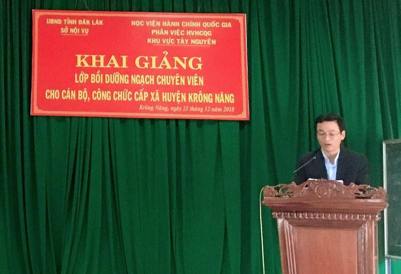 Ông Trần Minh Châu – Huyện ủy viên, Phó Chủ tịch UBND huyện Krông Năng phát biểu tại buổi lễ