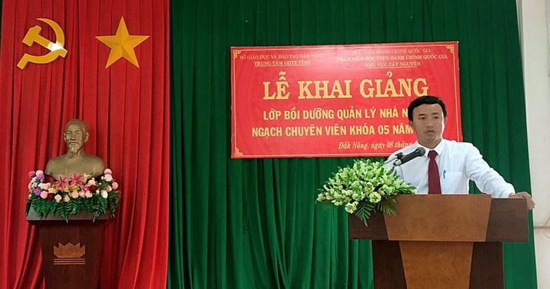 Th.S Lê Đức Ánh, Phó Giám đốc Trung tâm GDTX tỉnh Đăk Nông phát biểu tại buổi lễ