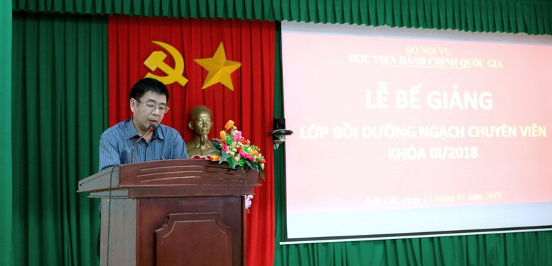 Ông Nguyễn Trọng Minh - Đại diện cho học viên của lớp phát biểu tại buổi lễ