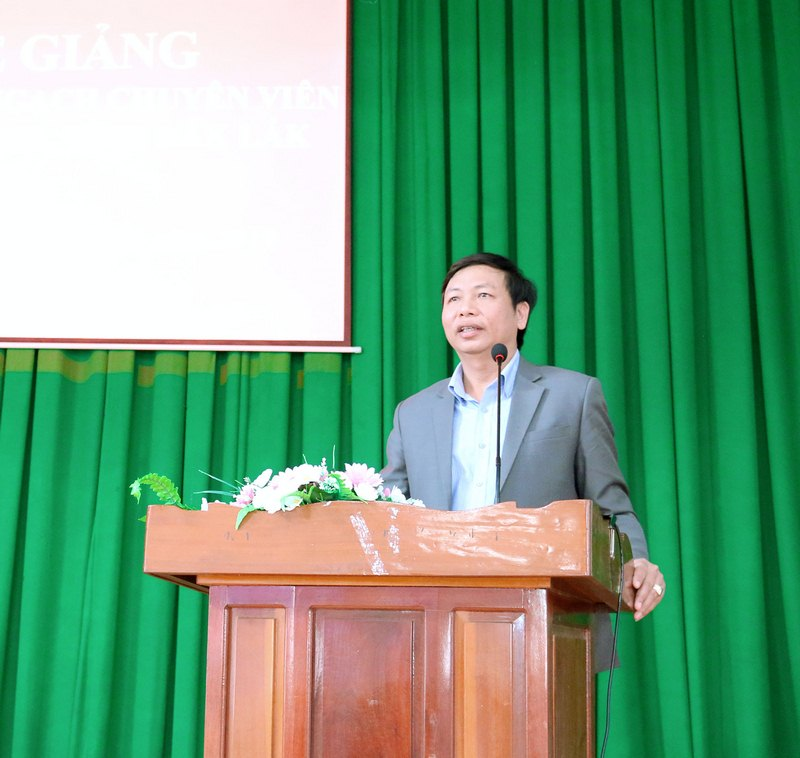 Ông Nhữ Đình Tuyến - Đại diện cho học viên của lớp phát biểu tại buổi lễ