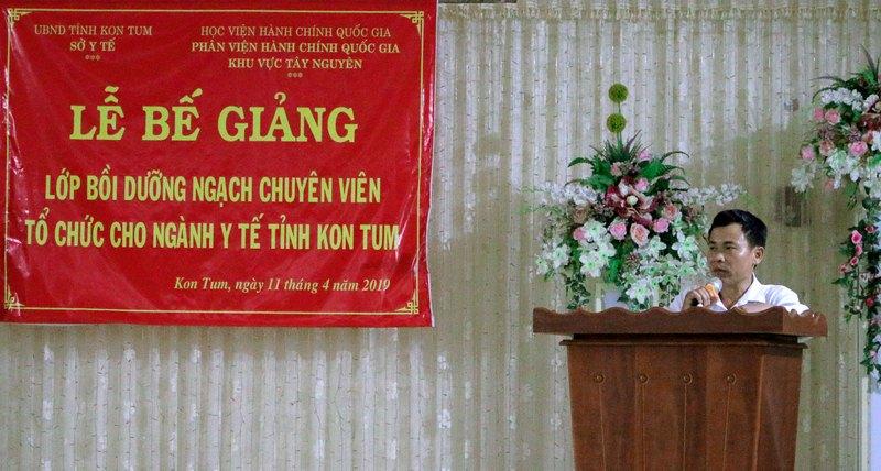 Ông Bùi Xuân Thành - Đại diện cho học viên của lớp phát biểu tại buổi lễ