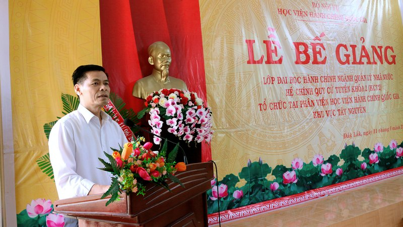 Ông Nguyễn Mạnh Hùng – Phó Giám đốc Sở Nội vụ tỉnh Đắk Lắk phát biểu tại buổi lễ