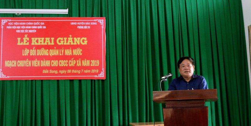 Ông Đinh Văn Đô - Trưởng phòng Nội vụ huyện Đắk Song phát biểu tại buổi lễ