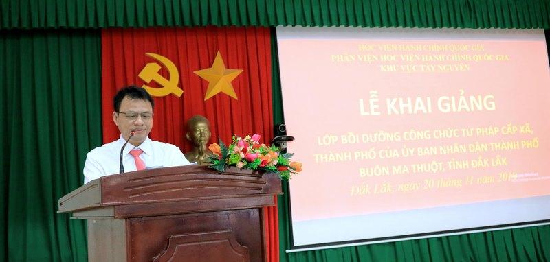 Ông Hồ Trung Kiên – Phó trưởng phòng Nội Vụ thành phố Buôn Ma Thuột phát biểu tại buổi lễ