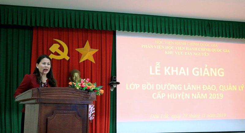 Bà Nguyễn Thị Thu Hường – Phó Giám đốc Sở Nội vụ tỉnh Đắk Nông phát biểu tại buổi lễ