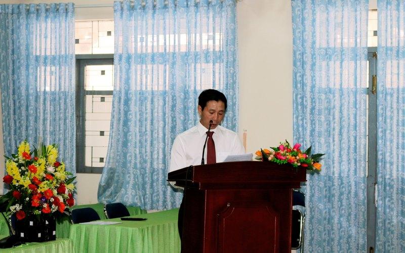 Đồng chí Phan Xuân Quý - Phó bí thư chi bộ thông qua báo cáo chính trị tổng kết nhiệm kỳ 2017-2020 và phương hướng nhiệm vụ công tác nhiệm kỳ 2020-2022