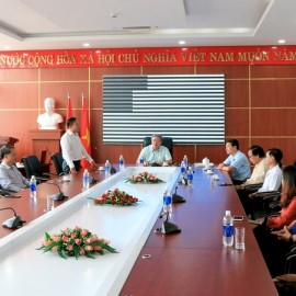 TS. Nguyễn Đăng Quế - Ủy viên Ban Thường vụ Đảng ủy, Phó Giám đốc Học viện Hành chính Quốc gia phát biểu tại buổi làm việc với Phân viện