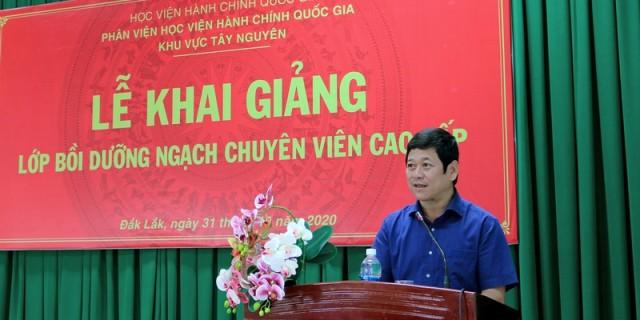 Ông Bạch Văn Mạnh - Giám đốc Sở Nội vụ tỉnh Đắk Lắk phát biểu tại buổi lễ