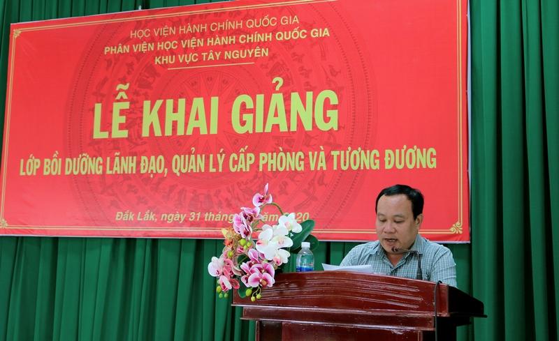Ông Nguyễn Công Minh - Đại diện học viên của lớp phát biểu tại buổi lễ