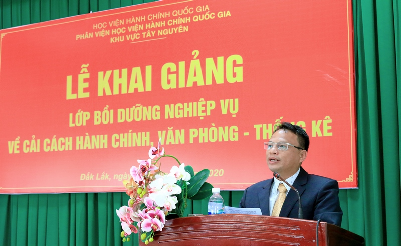 Ông Hồ Trung Kiên - Phó trưởng Phòng Nội vụ thành phố Buôn Ma Thuột, tỉnh Đắk Lắk phát biểu tại buổi lễ