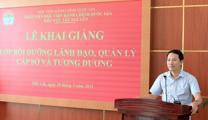 TS. Thiều Huy Thuật, Phó Giám đốc Phân viện phát biểu tại buổi lễ