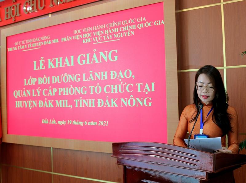 ThS. Lê Kim Loan thông qua các Quyết định liên quan đến lớp học