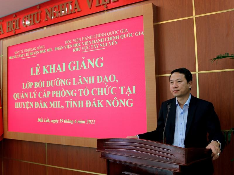 TS. Thiều Huy Thuật - Phó Giám đốc Phân viện Học viện Hành chính Quốc gia khu vực Tây Nguyên phát biểu tại buổi lễ