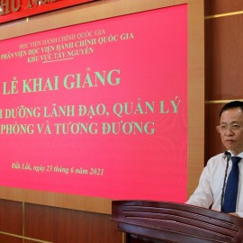 Ông Đỗ Tường Hiệp – Phó Giám đốc Sở giáo dục đào tạo tỉnh Đắk Lắk phát biểu.