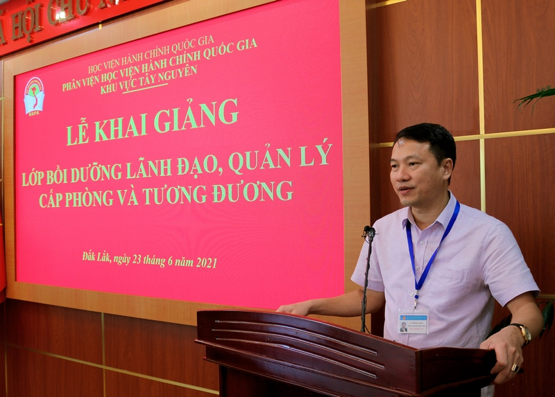 TS. Thiều Huy Thuật – Phó giám đốc Phân viện Học viện Hành chính Quốc Gia khu vực Tây Nguyên phát biểu tại buổi lễ