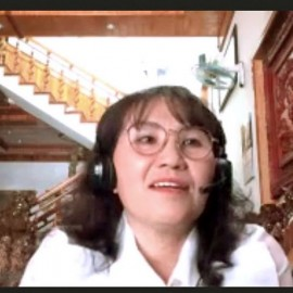 Bà Nguyễn Thị Thu Thủy, Phó Trưởng phòng Tổ chức - Cán bộ Sở Y tế tỉnh Đắk Nông phát biểu.