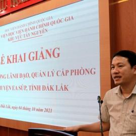 TS. Thiều Huy Thuật - Phó Giám đốc Phân viện Học viện HCQG KV Tây Nguyên phát biểu khai giảng lớp học