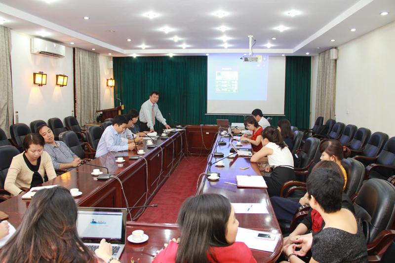 TS Nguyễn Ngọc Thao - Trưởng khoa Quản lý Tài chính công phát biểu khai mạc Hội thi