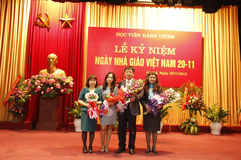 Các giảng viên của Khoa được  trao tặng các danh hiệu cao quý trong ngày 20.11.2013