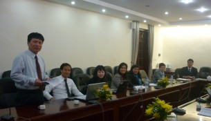 TS Nguyễn Ngọc Thao - Trưởng khoa Quản lý Tài chính công phát biểu chào mừng các Cô giáo nhân ngày Phụ nữ Việt Nam 20/10/2012