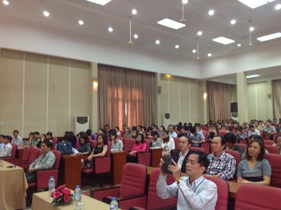 Toàn cảnh buổi khai mạc kỳ thi tại điểm thi Hà Nội.