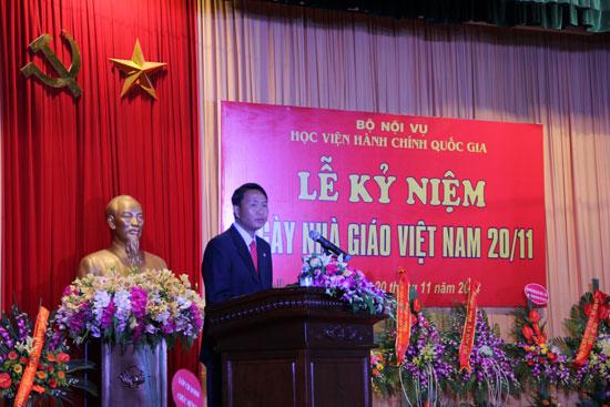 Đại diện lưu học sinh nước CHDCND Lào phát biểu