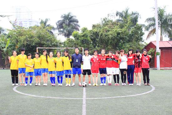 Nữ KH13QLC và KH12HCH2 trong trận tranh giải Nhất – Nhì