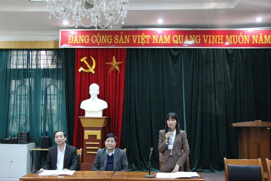 TS. Hoàng Mai phát biểu