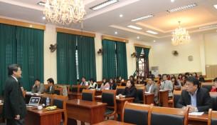 PGS.TS. Luu Kiem Thanh tham gia giang bai tai Lop tap