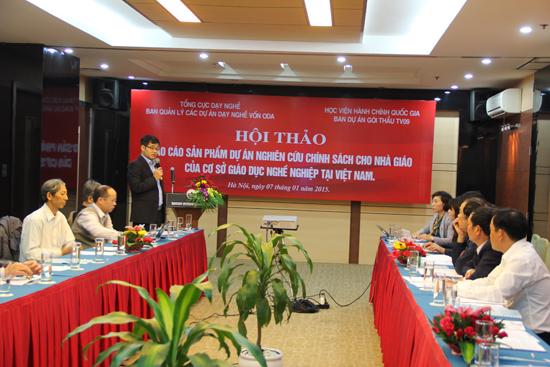 Ông Lê Văn Chương – Vụ phó, Phó Giám đốc ban Quản lý Dự án Dạy nghề vốn ODA phát biểu tại hội thảo