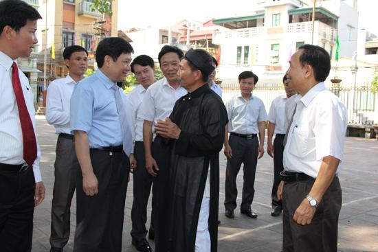 2. Doan nghe gioi thieu ve Di tich Dinh lang Phu Luu