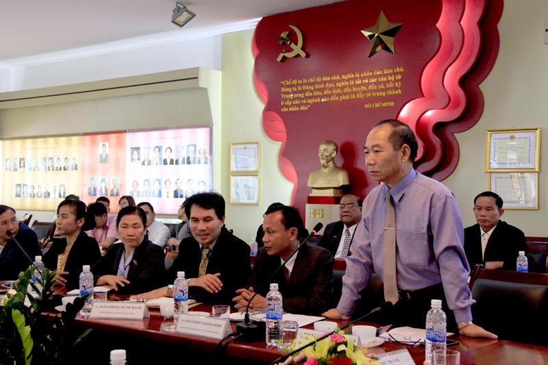 Đồng chí Pheng Phăn Lương Ma Ni phát biểu tại buổi lễ