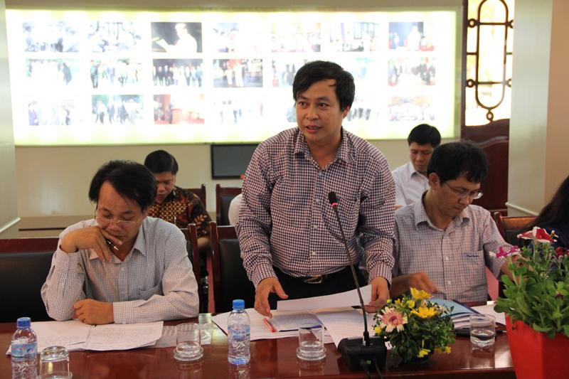 Các giảng viên, lãnh đạo, nhà khoa học phát biểu tại hội nghị