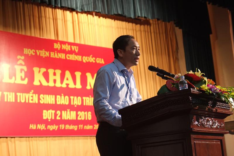 PGS.TS. Nguyễn Bá Chiến - Trưởng khoa Sau đại học phát biểu tại buổi lễ