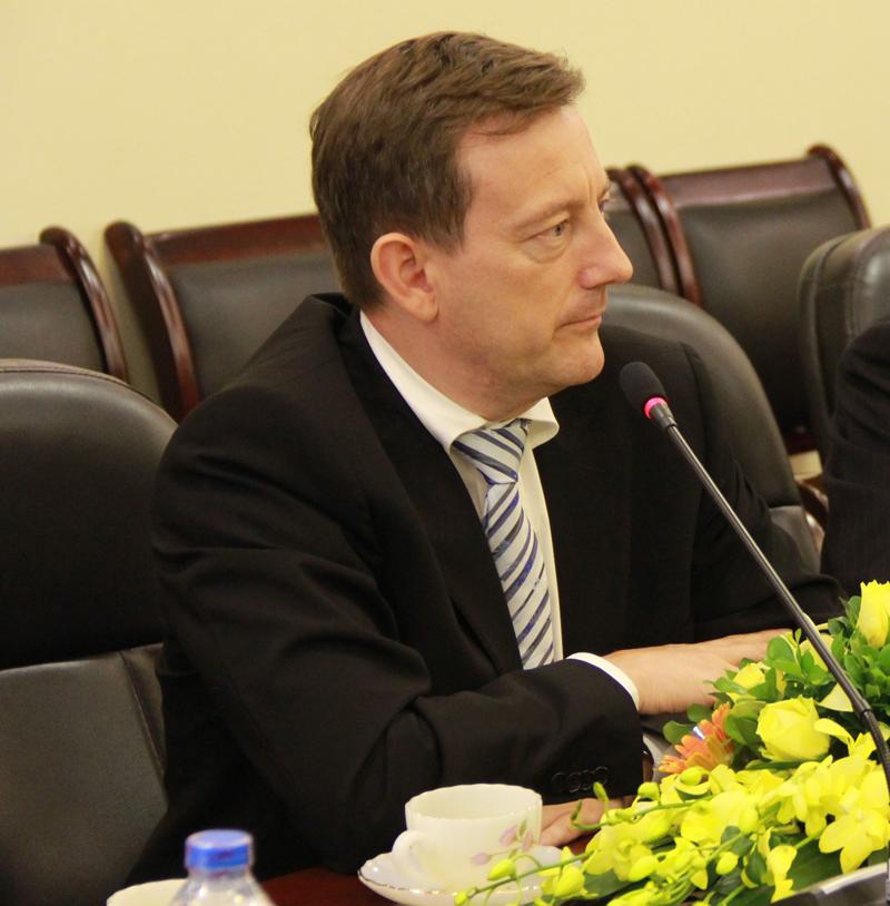 Ngài Bertrand Lortholary, Đại sứ Đặc mệnh toàn quyền Cộng hòa Pháp tại Việt Nam tại buổi làm việc