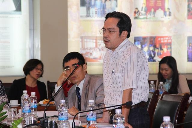 TS. Lương Minh Việt - Quyền Trưởng Khoa QLNN về kinh tế trình bày tham luận