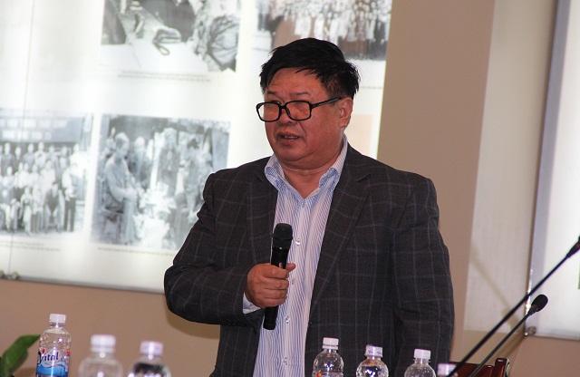 PGS.TS. Hoàng Văn Chức - Giảng viên cao cấp, Khoa QLNN về xã hội trao đổi ý kiến tại Hội thảo