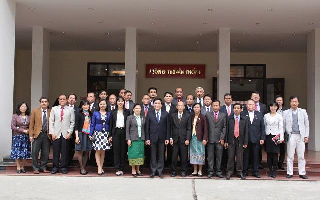 Lãnh đạo Học viện và các học viên của Lớp bồi dưỡng kiến thức quản lý nhà nước cho cán bộ lãnh đạo nước Cộng hòa Dân chủ Nhân dân Lào
