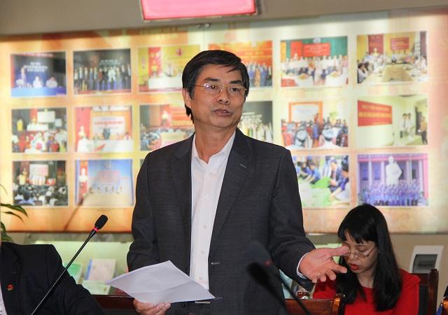 Ông Nguyễn Thế Chánh - nguyên Giám đốc Sở Văn hóa, Thể thao và Du lịch tỉnh Bắc Giang trình bày tham luận