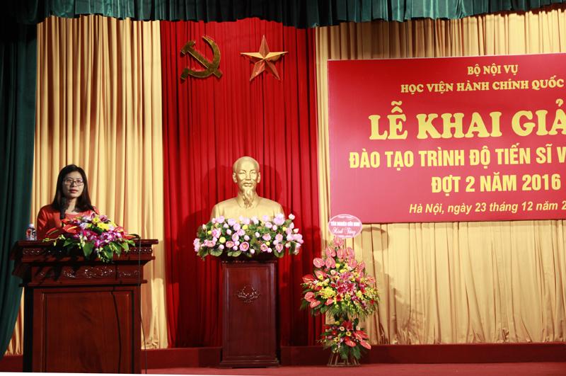 Đại diện nghiên cứu sinh phát biểu tại buổi lễ