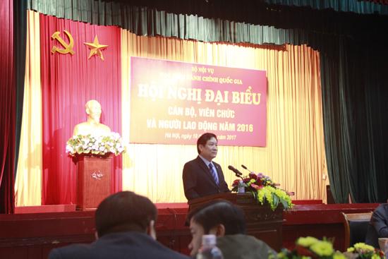PGS.TS Lê Như Thanh - Phó Giám đốc thường trực Học viện Hành chính Quốc gia phát biểu tại Hội nghị