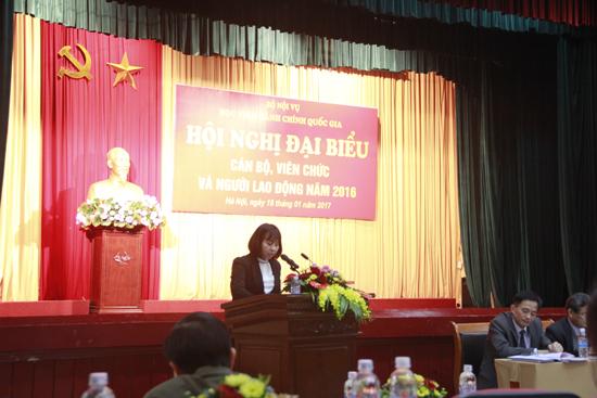 Đ/c Nguyễn Thị Quy - Trưởng phòng KH-TC Báo cáo về công tác tài chính và thu-chi Quỹ Phúc lợi cơ quan