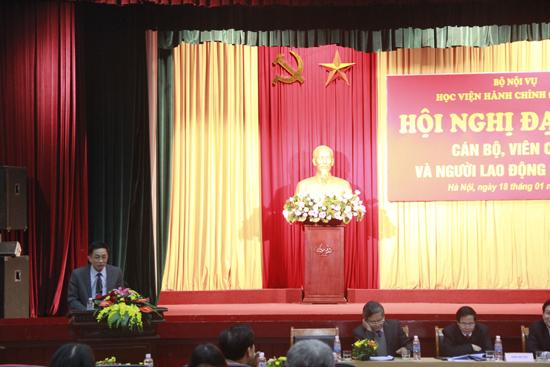 TS. Chu Xuân Khánh - Chủ tịch Công đoàn Báo cáo tổng hợp ý kiến của CB, VC và NLĐ tại Hội nghị cấp cơ sở