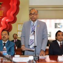 Hiệu trưởng Trung tâm đào tạo Hành chính công Băng-la-đét A.L.M Abdur Rahman phát biểu tại Lễ khai giảng