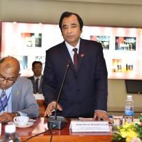 Đại sứ đặc mệnh toàn quyền Cộng hòa Nhân dân Băng-la-đét tại Việt Nam Mohammad Shahab Ullah phát biểu tại Lễ khai giảng