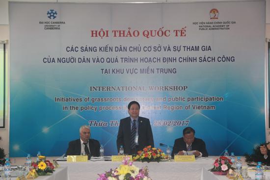 TS. Lê Như Thanh – Phó Giám đốc Thường trực Học viện Hành chính Quốc gia phát biểu tại Hội thảo