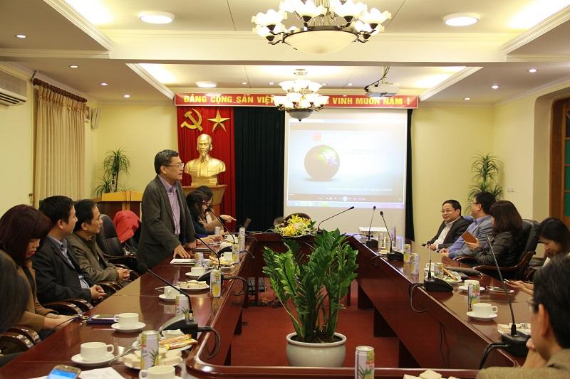PGS.TS. Lưu Kiếm Thanh phát biểu tại buổi gặp mặt
