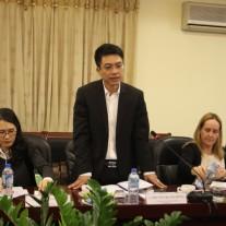 Ông Nguyễn Quang Dũng, Vụ trưởng Vụ Tiền lương, Bộ Nội vụ phát biểu tại buổi làm việc