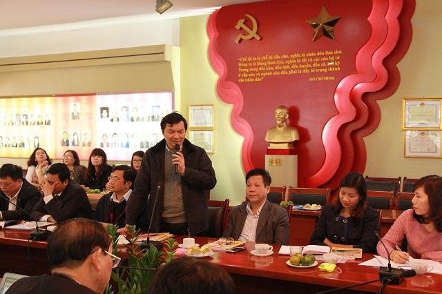 Nhà báo Ngô Minh Tuấn - Tổng Biên tập Tạp chí Xây dựng Đảng phát biểu tại Hội nghị